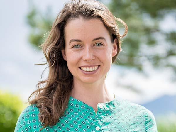 Grace Larson, LCSW, Therapist| Aspiro Adventure Therapy